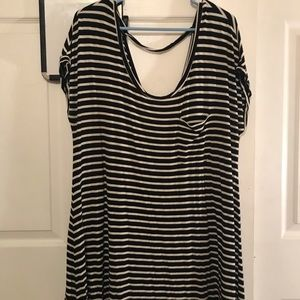 Black and white stretchy dress